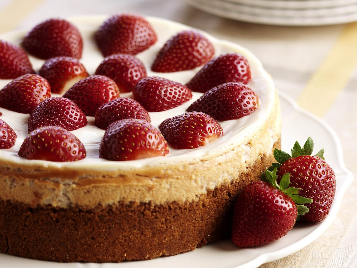 Classic Strawberry Cheesecake Recipe Driscolls Double Layer Cheese Cake Original Topped With Strawberries