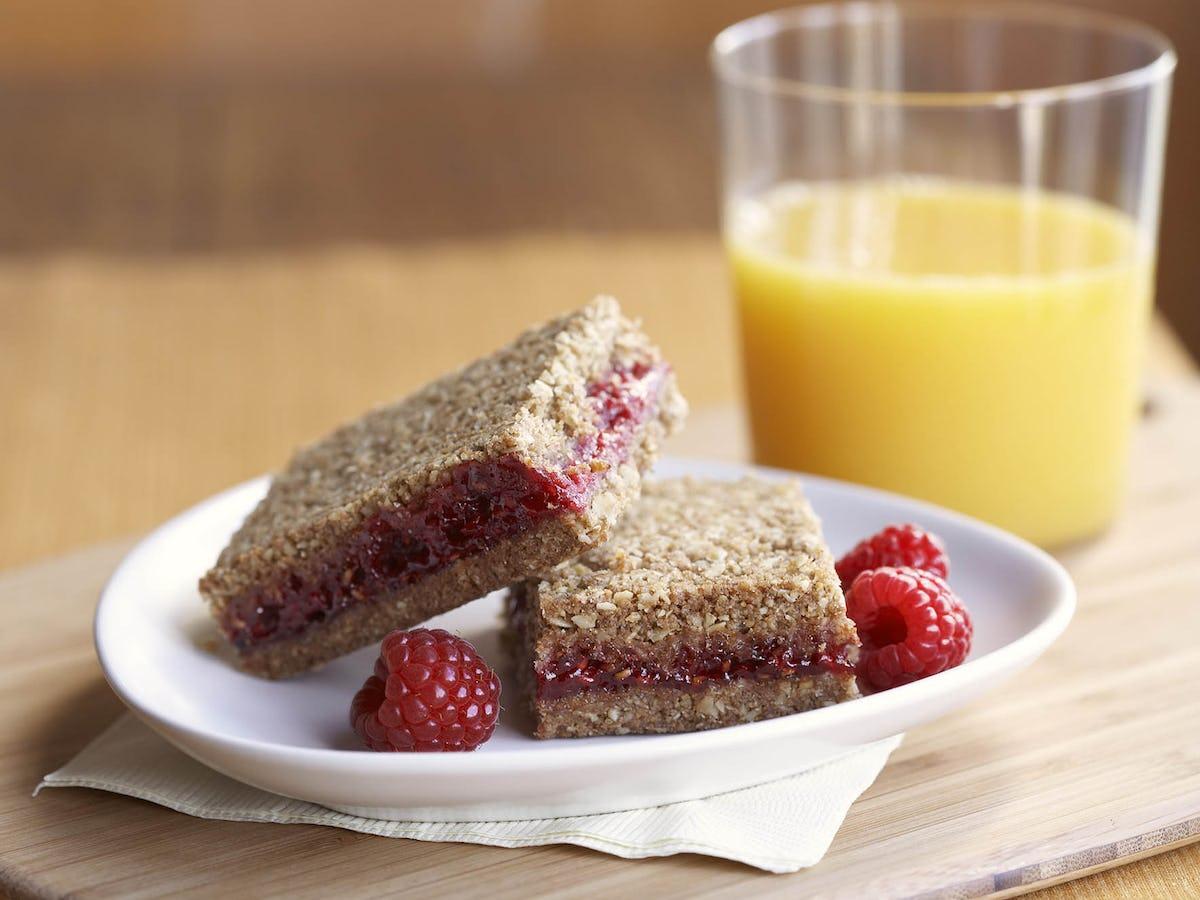 Whole Grain Raspberry Breakfast Bars