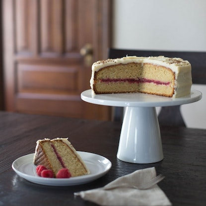 Layer cake with roasted raspberries